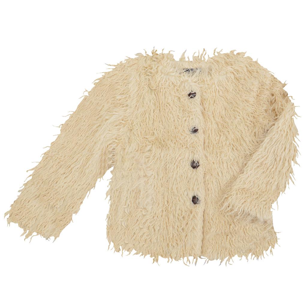 Елегантно детско сако с дълъг косъм бежово