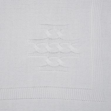 Плетена бебешка пелена със сатенена панделка бяла