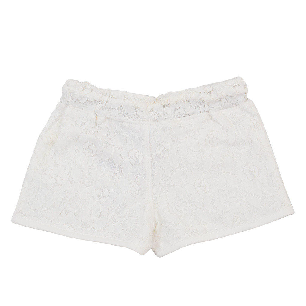 Панталон с къс крачол облечен в дантела екрю