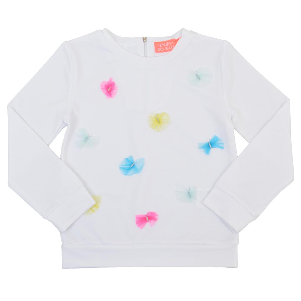 Спортна блуза в бяло с цип и пъстри пеперуди от тюл