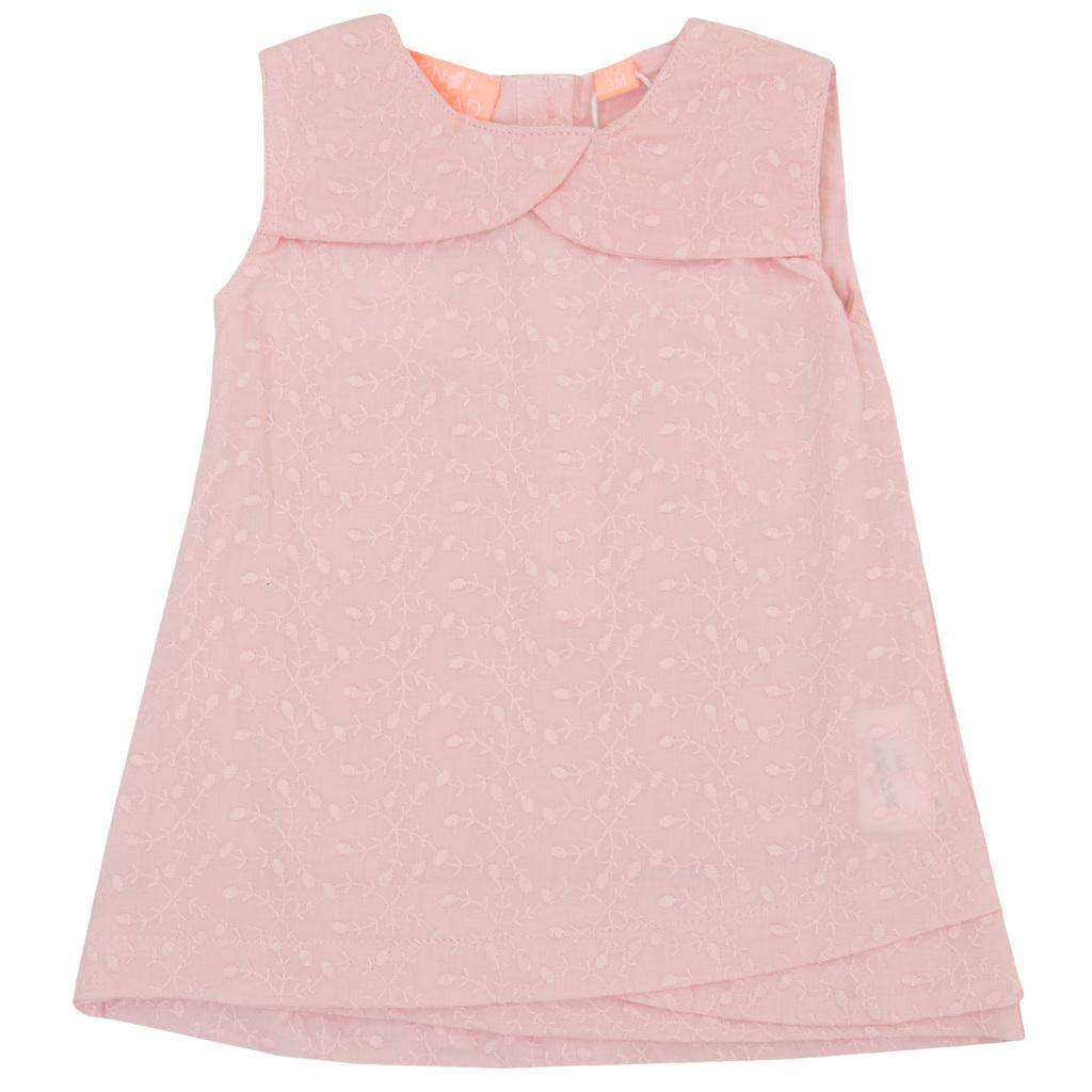 Рокля с рязана бродерия и ефектни платки бледо розова