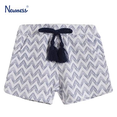 Къси панталонки зиг-заг с италиански джобчета от Newness бели