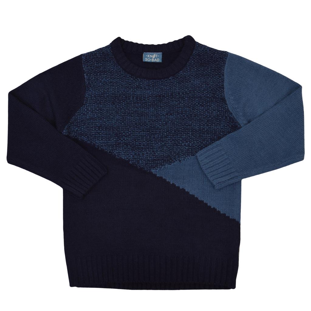 Мек пуловер с триъгълници в тъмно синьо