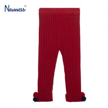 Клин Newness от рипсено плетиво в бордо с помпони