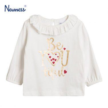 Блузка със златист надпис и къдрава яка от Newness в екрю