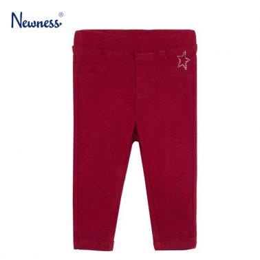 Еластичен панталон в бордо с камъчета от Newness