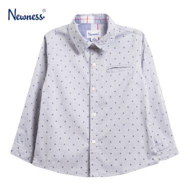 Риза с орнаменти и джоб с филетки в синьо от Newness