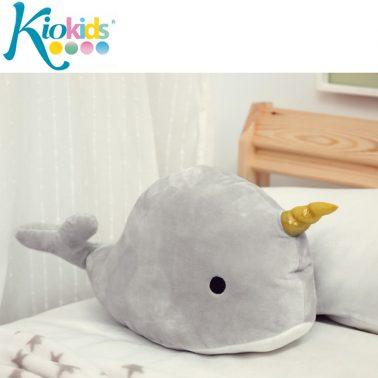 Плюшен кит за гушкане в сиво