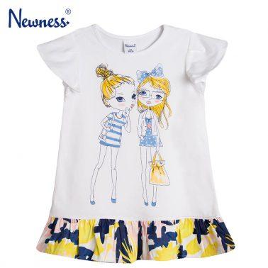Рокля Newness в бяло с цветен волан и щампа момичета