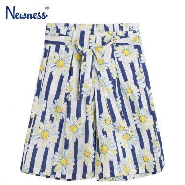 Панталон 7/8 на тъмно сини райета с маргаритки от Newness
