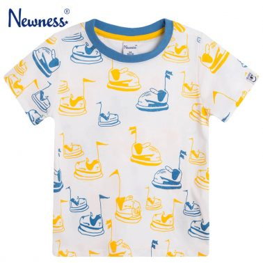 Тениска с блъскащи колички от Newness в бяло
