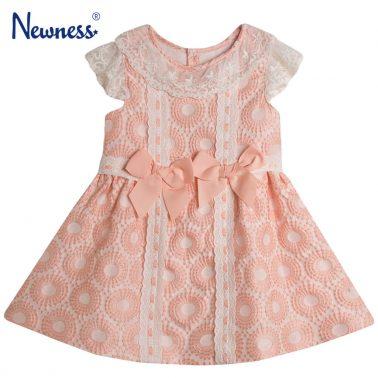 Стилна рокля Newness с дантела и кокетни панделки в розово