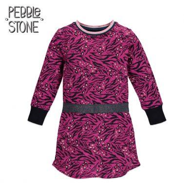Трикотажна права рокля с ефектен принт в розово