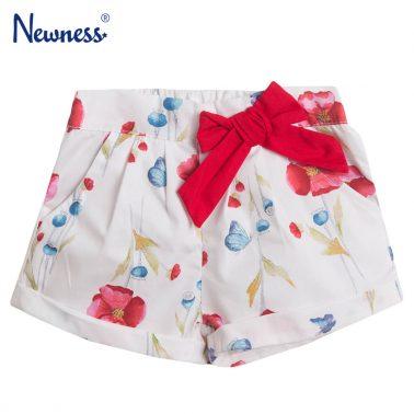 Бебешки текстилни къси панталонки на цветя с панделка в бяло