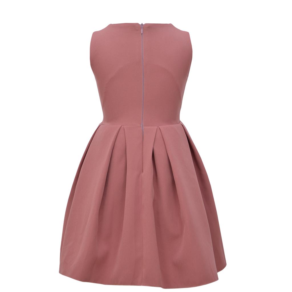 Елегантна детска рокля с разкроена пола и панделка в тъмно розово