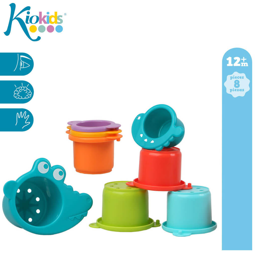 Занимателна играчка - цветни кофички за баня