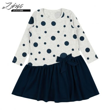 Детска асиметрична рокля на точки с панделка в тъмно синьо