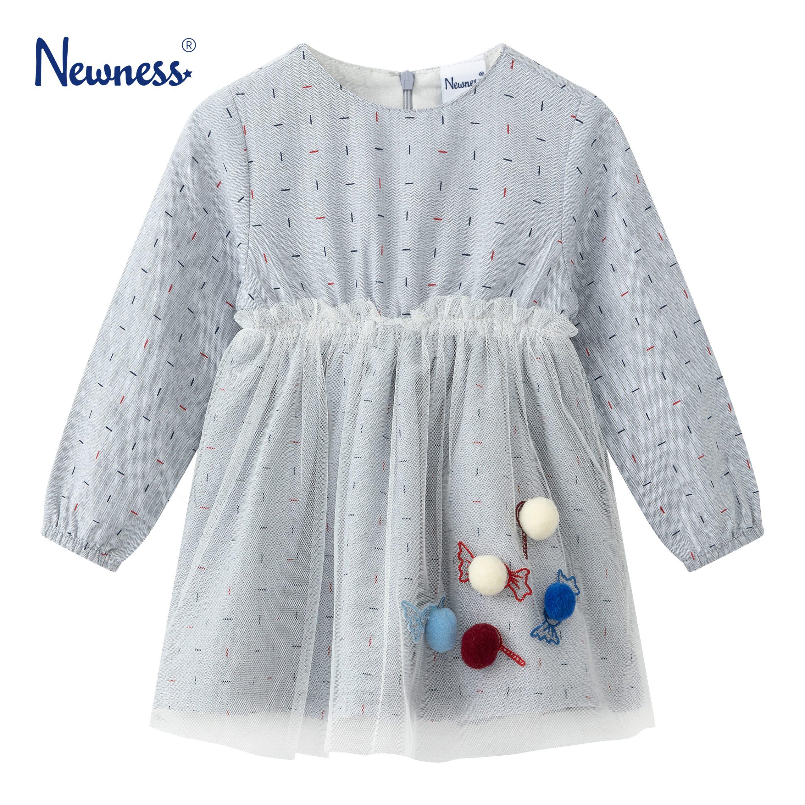 Детска рокля с бонбони, помпони и тюл в сиво