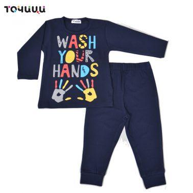 Детска пижама с щампа Wash your hands в тъмно синьо