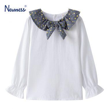 Детска блуза с ефектна яка и набор в ръкавите в бяло