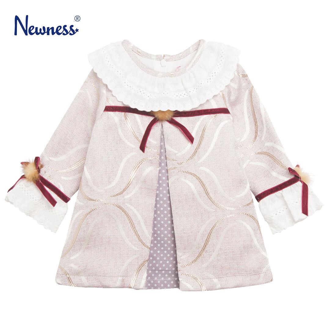 Детска официална рокля с кръгла яка и пухчета в розово