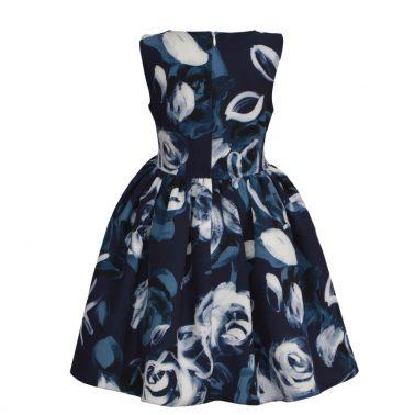 Детска разкроена рокля на цветя и контрастни ленти в синьо