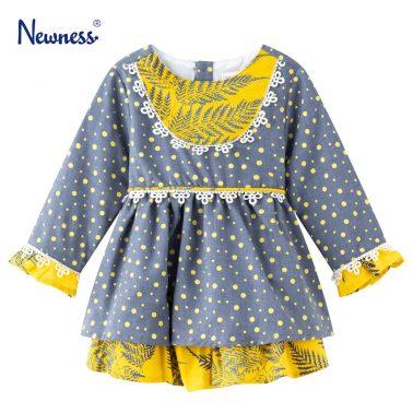 Детска рокля с два контрастни плата и дантела в сиво